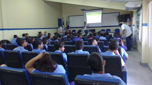 Atividades de Coleta Seletiva. Colégio da Polícia Militar (CPM). Petrolina-PE. 29-03-2016 (2)