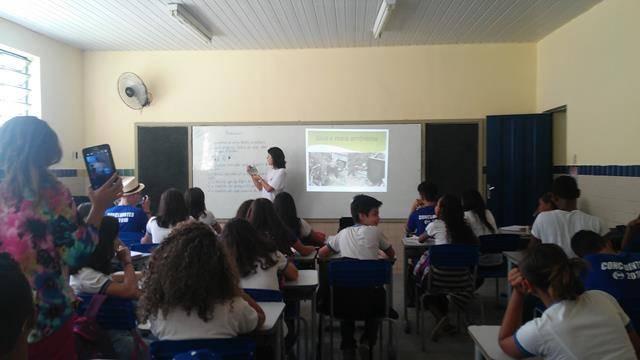 Atividades de Coleta Seletiva. Escola Dom Malan. Petrolina-PE. 08-04-2016