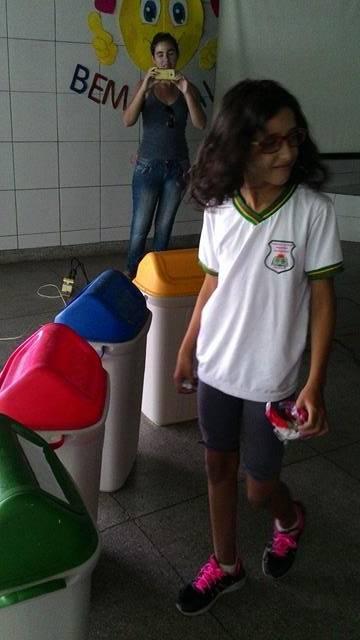 Atividades de Coleta Seletiva. Escola São Domingos Sávio. Petrolina-PE. 14-04-2016