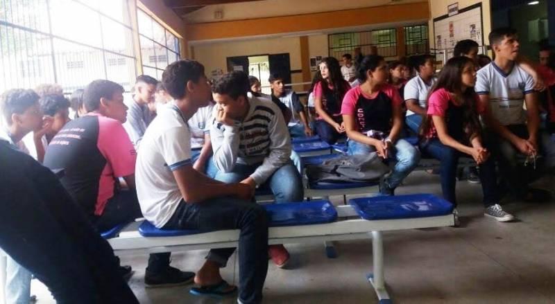 Atividades de Compostagem. Escola Humberto Soares. Petrolina-PE. 09/06/2017.