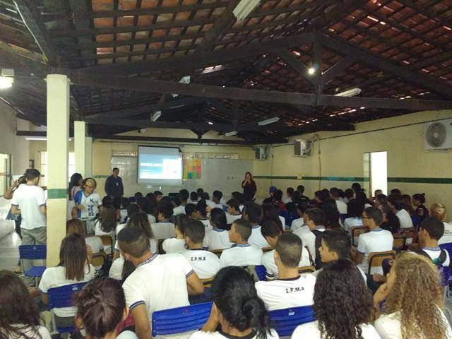 Atividades de Reciclagem. Escola Moyses Barbosa. Petrolina-PE. 06-06-2016