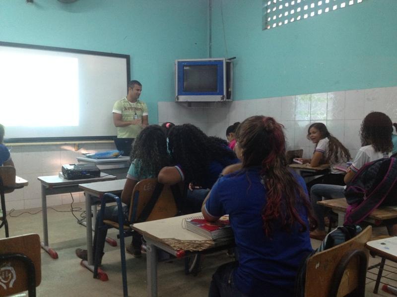 Atividade sobre agrotóxicos - Colégio Estadual Lomanto Júnior - Juazeiro-BA - 11.09.15