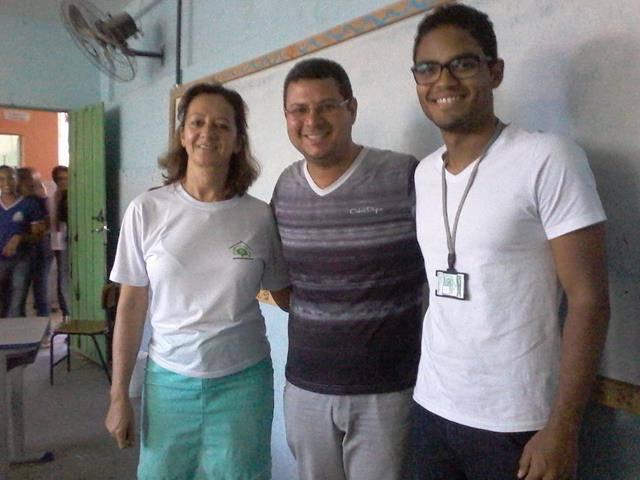 Cuidados e presevação das abelhas. Escola Antonilio de França Cardoso. Juazeiro-BA. 10-06-2016