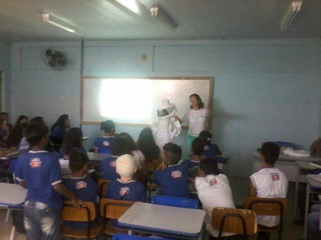 Cuidados e presevação das abelhas. Escola Antonilio de França Cardoso. Juazeiro-BA. 10-06- (10)