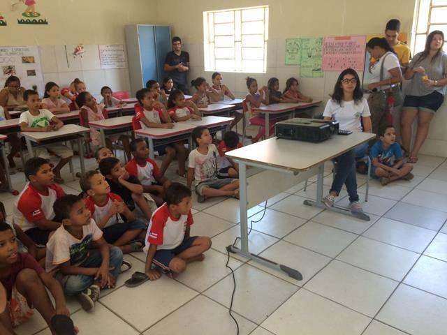 Cuidados com os recursos hídricos. Escola Joca de Souza Oliveira. Juazeiro-BA. 02-06-2016 (4)
