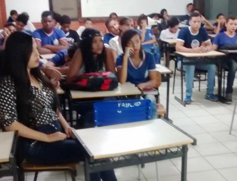 Atividades de Horta Escolar Agroecológica. Escola Polivalente Américo Tanuri. Juazeiro-BA. 06/08/2017.