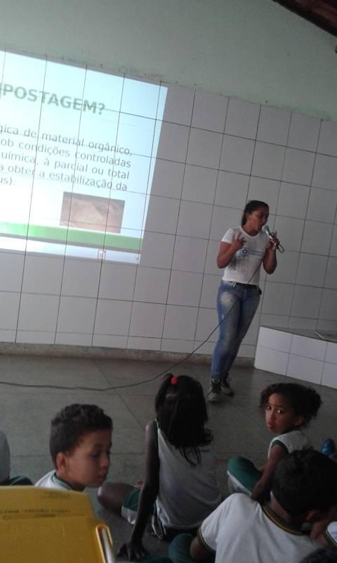 Atividade sobre compostagem - Escola Domingos Sávio - Petrolina-PE - 13.11.15