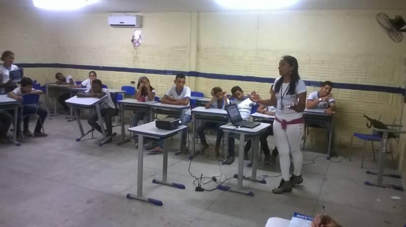 Atividade sobre horta sustentável - Escola João Batista - Petrolina-PE - 04.11.15