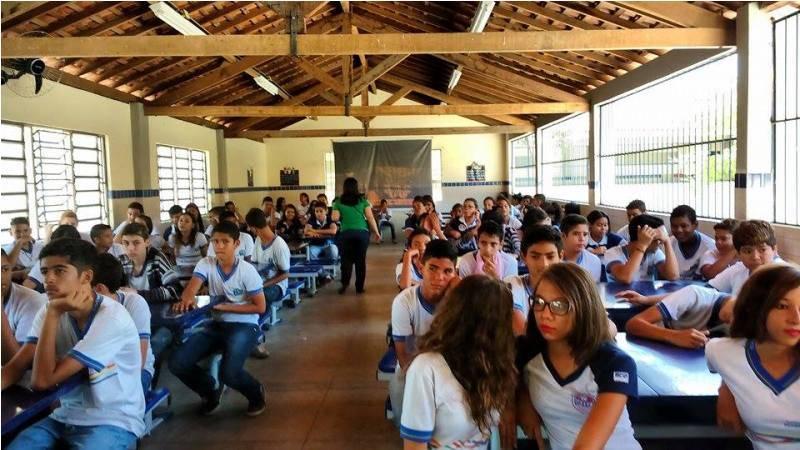 Atividades sobre reciclagem, coleta seletiva e horta sustentável - Escola Gercino Coelho - Petrolina-PE - 04.11.15