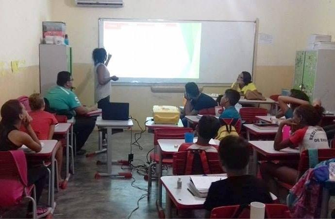 Atividades de Sensibilização da Horta da Escola Luis Cursino. Juazeiro-BA. 14/03/2017.