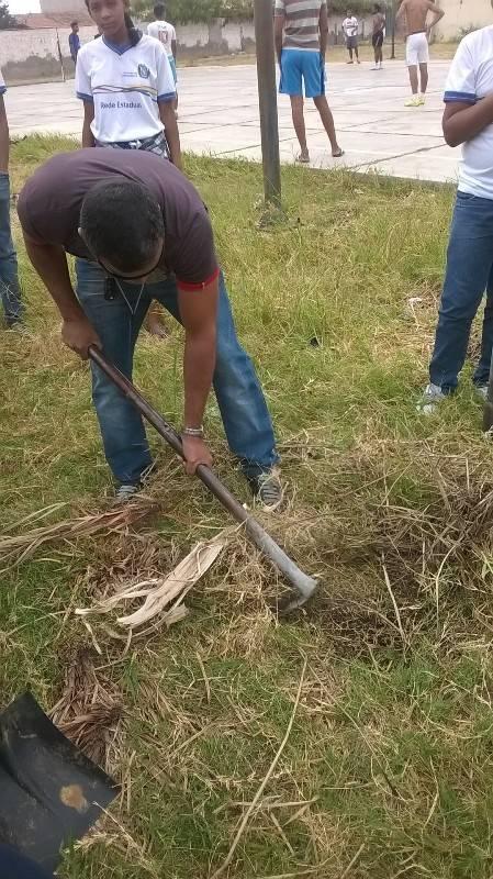 Atividade de arborização - Escola Professor Simão Amorim Durando - Petrolina-PE - 19.09.15