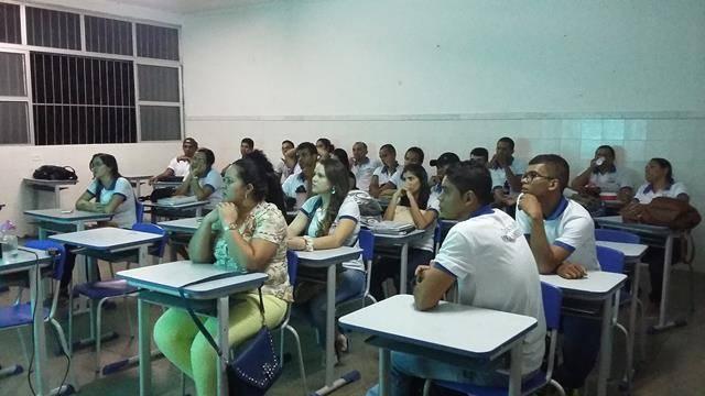 Saúde Ambiental - Combate ao Mosquito Aede aegypti. Centro Territorial de Educação Profissional (CETEP). Juazeiro-BA. 27-04-2016