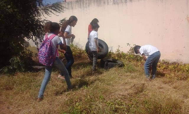 Saúde Ambiental - Combate ao Mosquito Aede aegypti. Escola Joaquim André Cavalcanti. Petrolina-PE. 29-04-2016