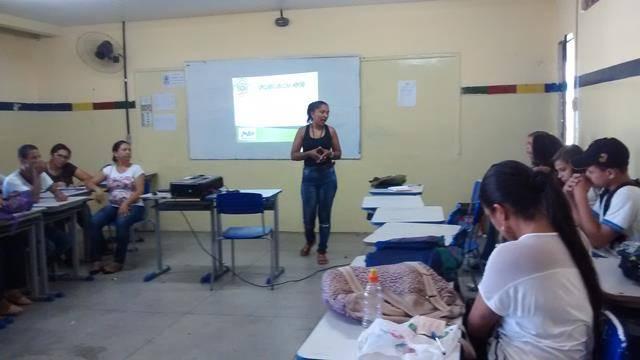 Horta escolar agroecológica. Escola Adelina Almeida. Petrolina-PE. 08-04-2016
