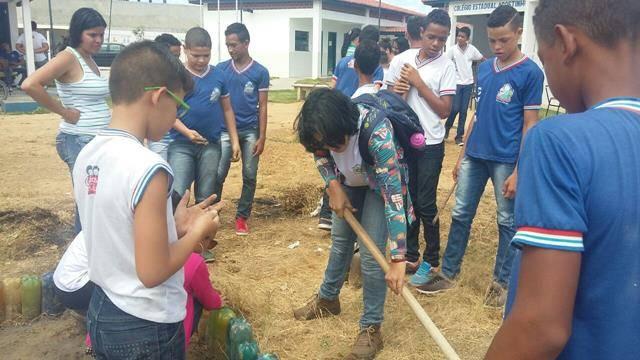 Horta escolar agroecológica. Escola Agostinho Muniz. Juazeiro-BA. 06-04-2016