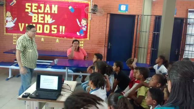 Cuidados e perigos dos Agrotóxicos. Escola São José. Zona rural de Petrolina-PE. 09-08-2016