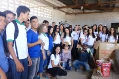 Estudantes e professores visitas Cooperativa de Catadores