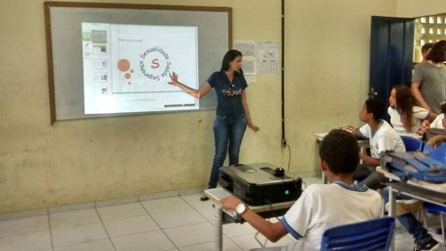 Cuidados e higiene ambiental. Escola Pe Luiz Cassiano. Petrolina-PE. 31-05-2016