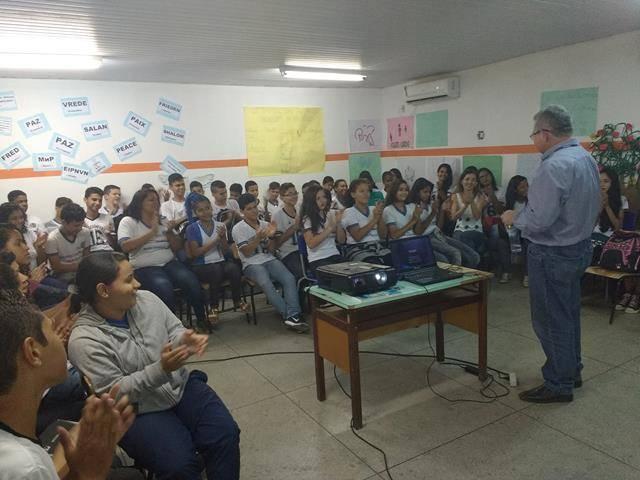 Meio Ambiente, poluição e higiene ambiental. Escola Moyses Barbosa. Petrolina-PE. 14-06-2016 (4)