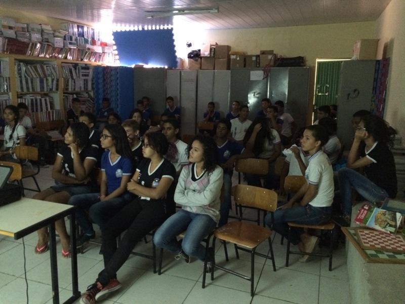 Atividade sobre horta sustentável - Colégio Antonílio da França Cardoso - Juazeiro-BA - 20.11.15