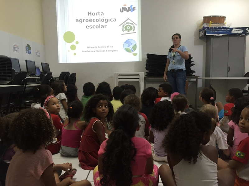 Atividade sobre horta sustentável - Escola Joca de Souza Oliveira - Juazeiro-BA - 18.11.15