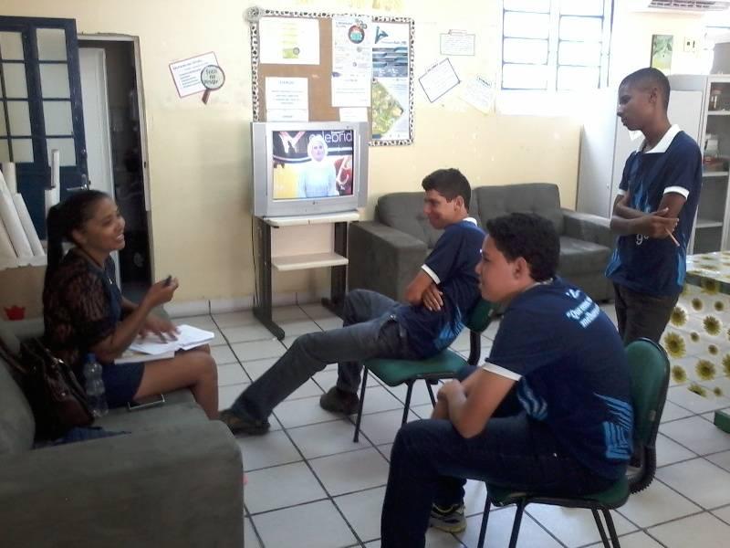 Atividade de reciclagem - Escola Eduardo Coelho - Petrolina-PE - 25.08.15