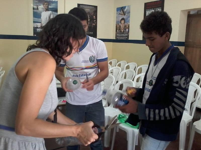 Atividade de reciclagem - Escola Eduardo Coelho - Petrolina-PE - 31.08.15