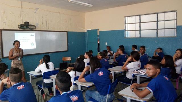 Atividades de Horta Escolar Agroecológica. Colégio Rotary Clube. Juazeiro-BA. 10-08-2016 (5)