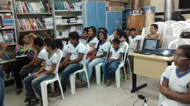 Atividades de Horta Escolar Agroecológica. Escola São José. Petrolina-PE. 24-08-2016