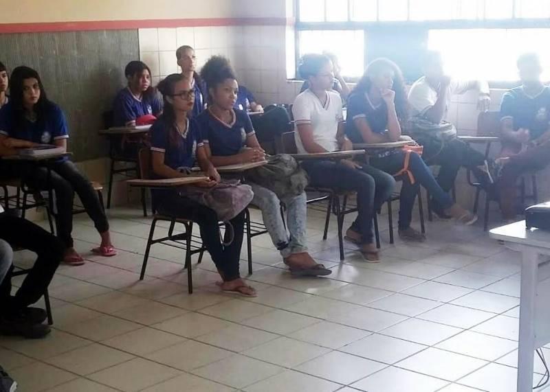 Atividades de Coleta Seletiva. Escola Artur Oliveira. Juazeiro-BA. 07/04/2017.