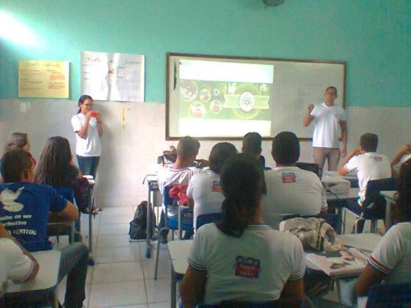 Atividade sobre coleta seletiva -  Colégio Estadual Lomanto Júnior - Juazeiro-BA - 04.11.15