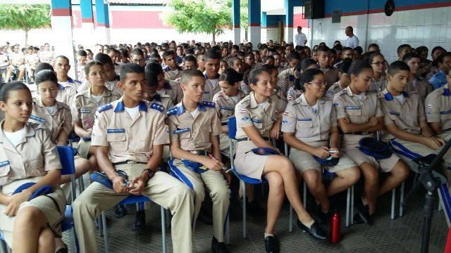 Atividade de coleta seletiva - Colégio da Polícia Militar - Juazeiro-BA - 26.02.16