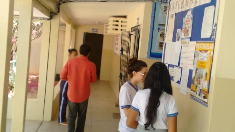 Atividade de adesivagem - EREM Dr. Pacífico Rodrigues da Luz - Petrolina-PE - 20.11.15