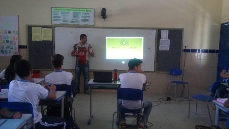 Atividades sobre reciclagem e alimentação saudável - EREM Jornalista João Ferreira Gomes - Petrolina-PE - dias 01 e 02.09.15