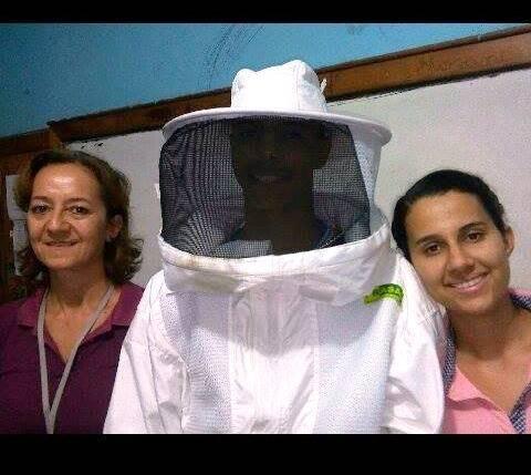 Cuidados, preservação e resgate de abelhas. Escola Rui Barbosa. Juazeiro-BA. 30/05/2017.