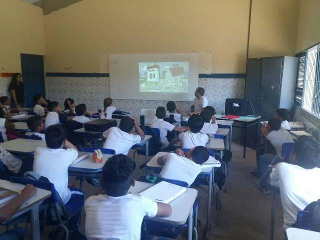 Atividade sobre zoonoses - Escola Antônio Cassimiro - Petrolina-PE - 24.02.16