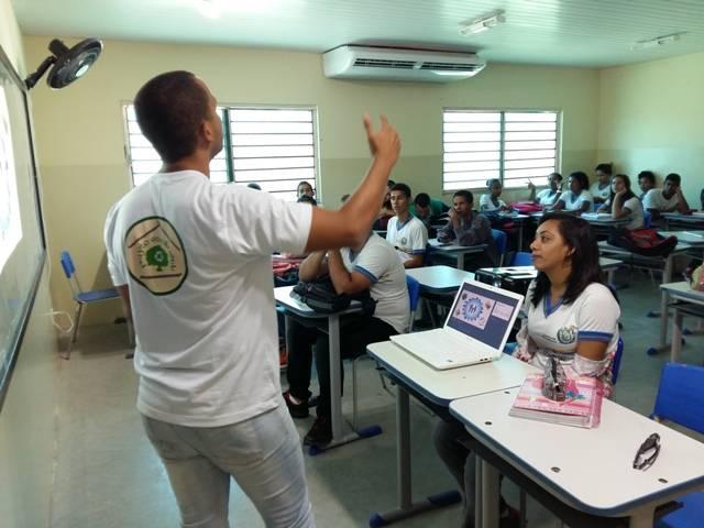 Atividade sobre zoonoses - Escola EMMAF - Petrolina-PE - 24.02.16