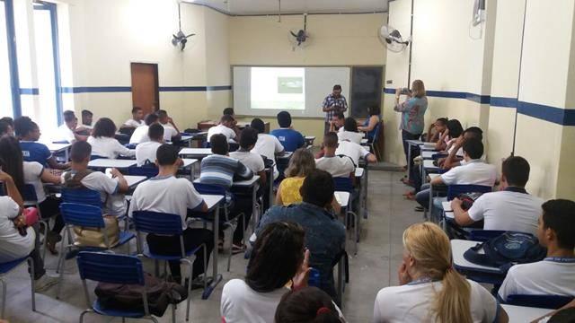Saúde Ambiental. Escola João Barracão. Petrolina-PE. 25-05-2016