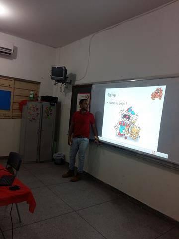 Saúde Ambiental. Zoonoses. Escola São Domingos Sávio. Petrolina-PE. 20-04-2016
