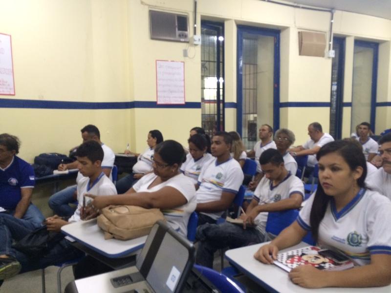 Atividade sobre o uso de agrotóxicos - CEJA João Barracão - Petrolina-PE - 12.11.15