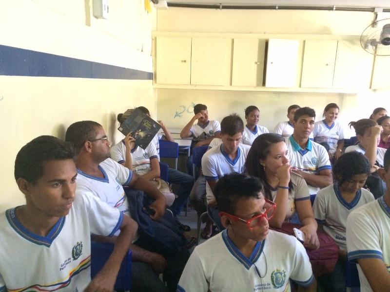 Atividade sobre saúde ambiental - CEJA João Barracão - Petrolina-PE - 17.11.15