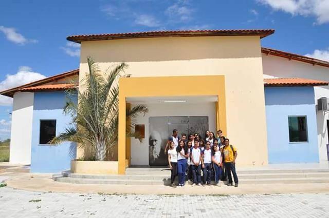 Visita tecnica ao Cemafauna. Escola Modelo Luis Eduardo Magalhaes. Juazeiro-BA. 14-04-2016 (10)
