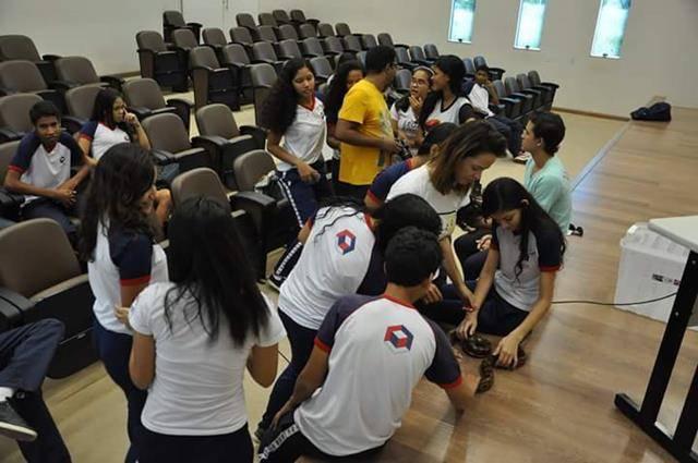 Visita tecnica ao Cemafauna. Escola Modelo Luis Eduardo Magalhaes. Juazeiro-BA. 14-04-2016 (17)