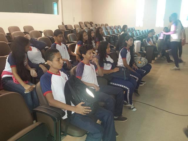 Visita tecnica ao Cemafauna. Escola Modelo Luis Eduardo Magalhaes. Juazeiro-BA. 14-04-2016 (2)