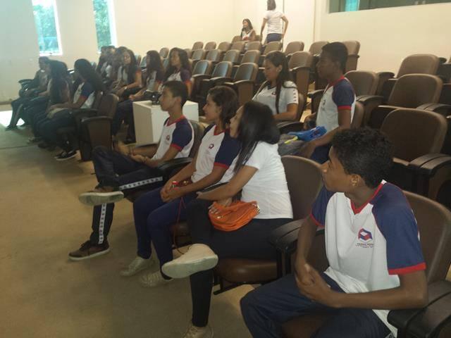Visita tecnica ao Cemafauna. Escola Modelo Luis Eduardo Magalhaes. Juazeiro-BA. 14-04-2016 (4)