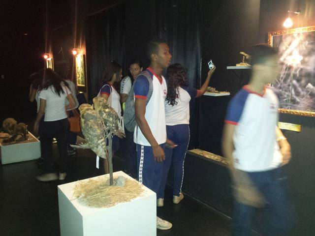Visita tecnica ao Cemafauna. Escola Modelo Luis Eduardo Magalhaes. Juazeiro-BA. 14-04-2016 (8)