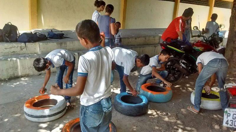 Atividade de reciclagem - Escola Joaquim André Cavalcanti - Petrolina-PE - 08.10.15