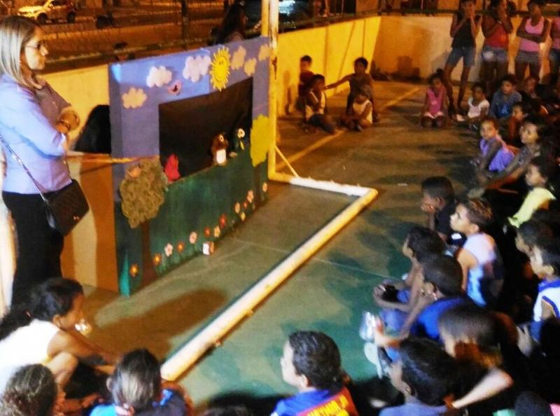 Teatro de Fantoches do PEV sensibiliza para coleta seletiva. Resiencial Mairi. Juazeiro-BA. 06/07/2017.