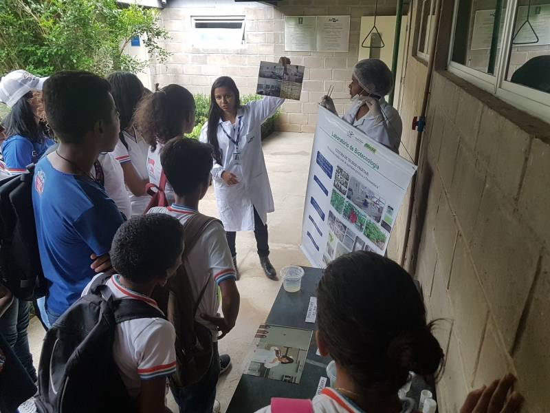 Visita ocorreu dia 28.03 com passeio a laboratórios de ecologia e de biotecnologia, trilha na Caatinga e palestras