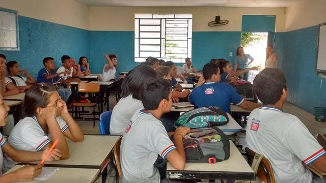 Atividades de Arborização. Escola Rotary Clube. Juazeiro-BA. 24-11-2016